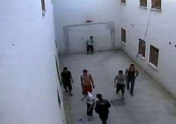 Cezavinde öldüren dayak kamerada