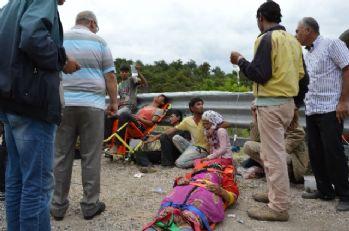 Tarım işçilerini taşıyan minibüs devrildi: 1 ölü, 20 yaralı