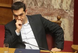 Yunanistan'da sonuçları merakla beklenen referandum başladı