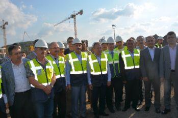 Bakan hastane inşaatını inceledi