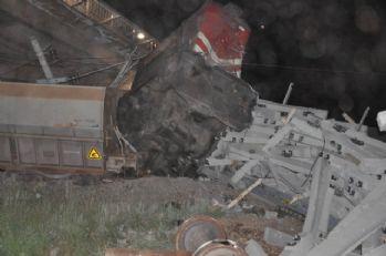 Sivas'ta yük treni kazası: 1 ölü 1 yaralı