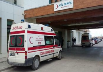 Servis minibüsü devrildi: 14 yaralı