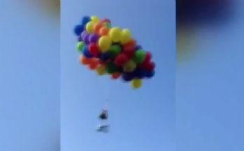 Yüzlerce balonla gökyüzüne yükseldi