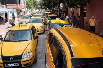 Gasp edilen taksici boğazı kesilerek öldürüldü