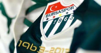 Bursaspor Luıs Advıncula'ya imzayı attırdı