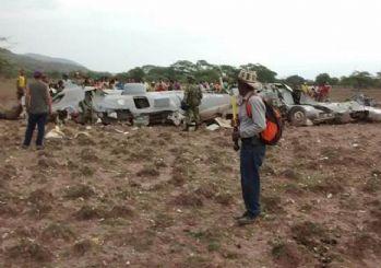 Kolombiya'da askeri uçak düştü!