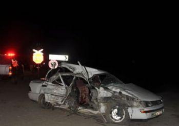 Muş'ta yük treni otomobile çarptı: 4 ölü