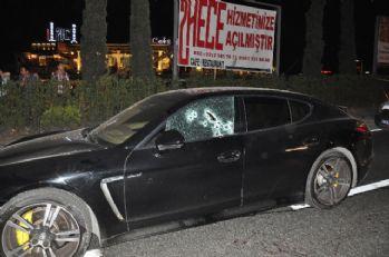 Lüks otomobile silahlı saldırı: 1 ölü, 1 yaralı!