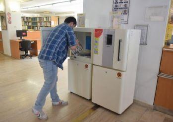 Anadolu Üniversitesi Kütüphanesi'nde 'Book Shower' Devri