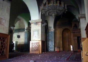 Halep'te ilk kez halkın cuma namazına gitmemesi istendi