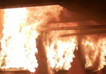 Şişli'de korkutan metruk bina yangını