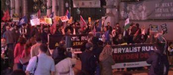 Beyoğlu'nda Özgür-Der'den Rusya protestosu