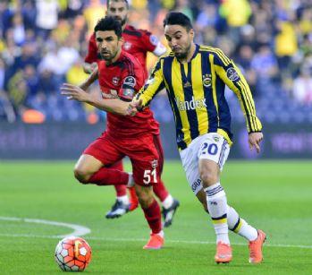 Fenerbahçe ilk yarıyı önde kapattı