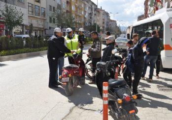Bozüyük'te Motosiklet Sürücüleri Sıkı Denetim Altında