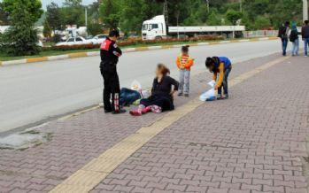 Husumetlisi olduğu kadınları tekme tokat dövdü