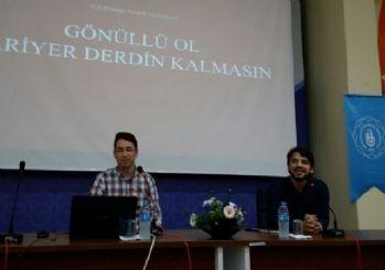 Bandırma'da 'Gönüllü Ol Kariyer Derdin Kalmasın' Konferansı Yapıldı