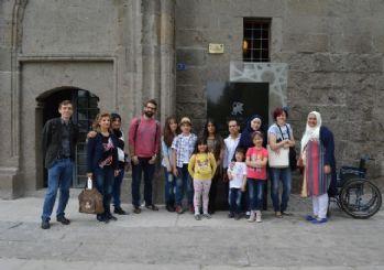 AGÜ'den Suriyeli Mültecilerin Sorunlarına Kültürel Yaklaşım Toplantısı