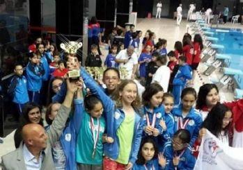 Tekirdağ'ın Yıldız Kulaçları Bursa'da Parladı