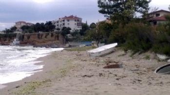Büyükçekmece'de denize giren 2 liseli boğuldu