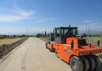 Çiftçilere Güvenli Yollar Yapılıyor