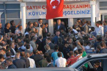 Erdoğan ve Yıldırım 16 kişinin öldürüldüğü köyde