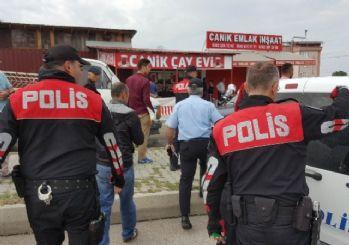 Uygulama Yapan Polislerin Üzerine Tüfek Saçmaları Düştü