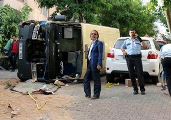 Kağıthane'de yolcu minibüsü devrildi: 10 yaralı