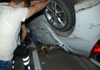 Takla Atan Otomobilde Sıkışan Kadın Sürücü Güçlükle Kurtarıldı