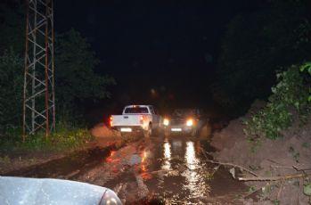Fatsa'da sağanak yağmur heyelana yol açtı