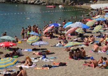 Sıcaktan Bunalan Halk Plaja Akın Etti