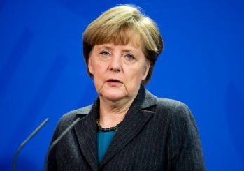 Merkel'den İngiltere uyarısı: Çirkinleşmeyelim