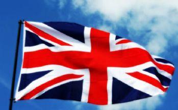 Fitch ve S&P İngiltere'nin kredi notunu düşürdü