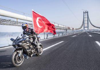 Kenan Sofuoğlu'ndan Osmangazi Köprüsü'nde rekor