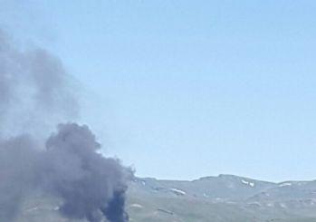 Van Valiliği: '3 İş Makinesi Teröristler Tarafından Yakılmış Ve 1 Kamyonet Gasp Edilerek Götürülmüştür'