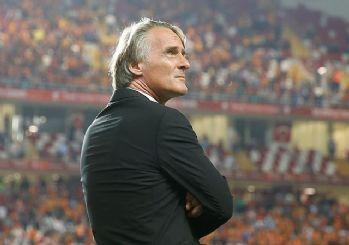 Galatasaray Hollandalı teknik adamla devam dedi