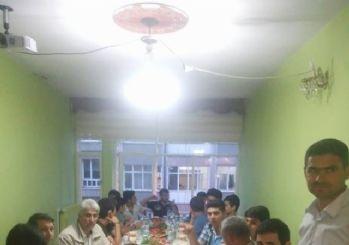 DEAF-İslamı Anlatan Eller Derneği 75 işitme engelliye iftar yemeği verdi