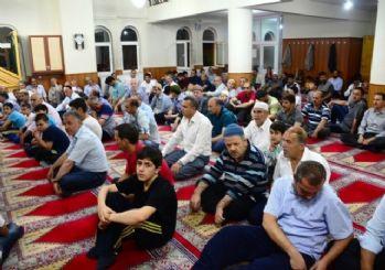 Bitlis'te Kadir Gecesinde Vatandaşlar Camilere Akın Etti