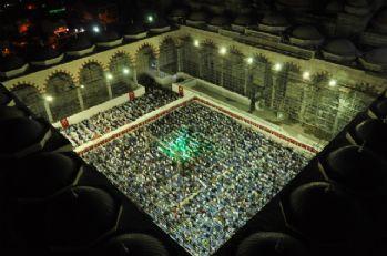 Çamlıca Cami'nde ilk namaz