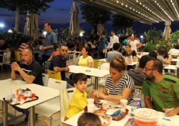 Optimum'da ramazan'a özel fasıl dinletisiyle iftar keyfi