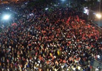 Milli iradenin hür sesi Erzurum'da demokrasi coşkusu