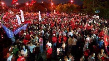 İstanbullar demokrasi nöbetinde