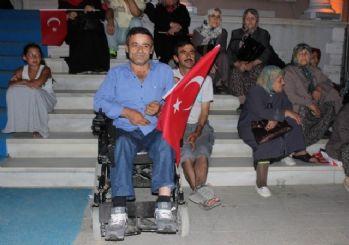 Demokrasinin engelli bekçileri