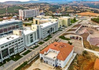 Uşak Üniversitesi Rektörlüğü; 'Safımız devletimizin ve milletimizin yanıdır'