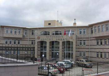 Dursunbey'de 2 öğretmen tutuklandı