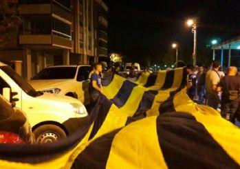 Fenerbahçelilerden demokrasi nöbetine destek