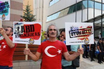 Büyükelçilik önünde Biden protestosu