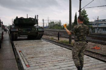 Sınıra tank sevkıyatı devam ediyor