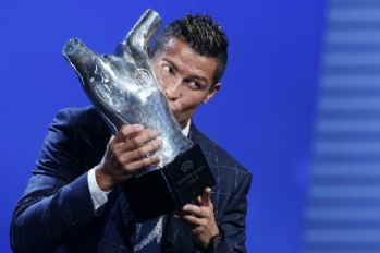'UEFA Yılın Futbolcusu' ödülü bir kez daha Ronaldo'nun