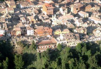 İtalya'da deprem bölgesinde OHAL