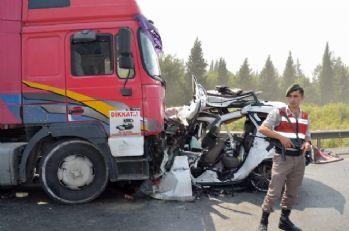 Astsubay ve eşi kazada can verdi